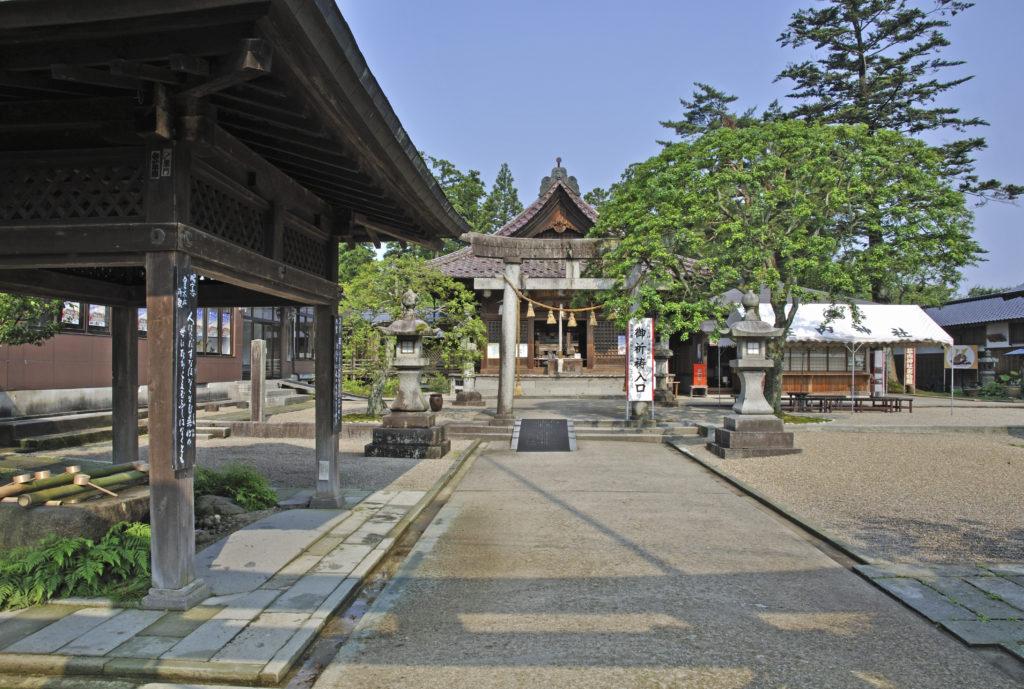 鶴岡公園 荘内神社
